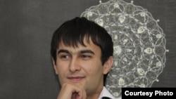 Фото убитого Парвиза Давлатбекова взято из Интернета