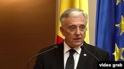 Mugur Isarescu a încercat să-i prevină pe liderii guvernamentali că ar putea urma 40 de ani de deșert financiar