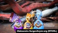 «Плотник Вася» и «Знойная женщина»: какие сладости продают в Крыму (фотогалерея)