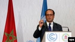 Президент Франции Франсуа Олланд выступает на Всемирной конференции по изменению климата. Марракеш, 15 ноября 2016 года.