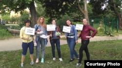 Анна Алимпиева со студентками