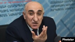 Armenia -- RA Minister of Territorial Administration and Development David Lokyan at a press conference. 26DEc., 2016