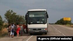 Крымский автобус недалеко от админграницы с Херсонской областью