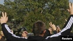 Srbi na prelazu Jarinje 27. septembar 2011.