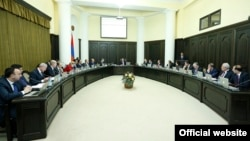 Armenia -- Prime Minister Hovik Abrahamian holds a weekly cabinet meeting in Yerevan, 25Dec2014.