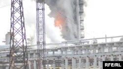Атырау мұнай өңдеу зауытынан өрт шыққан кез. 13 қаңтар 2010 жыл