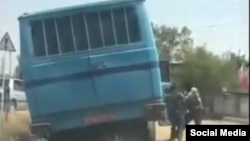 Screen grab - Prison bus reportedly attacked by armed men. May 30, 2020