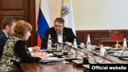 Владимир Владимиров на совещании по нашумевшему вопросу компенсаций