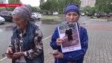 Казахи требуют освободить их родственников, арестованных в Синьцзяне