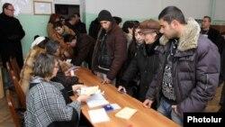 Armenia - Voting in a local election in Hrazdan, 12Feb2012.