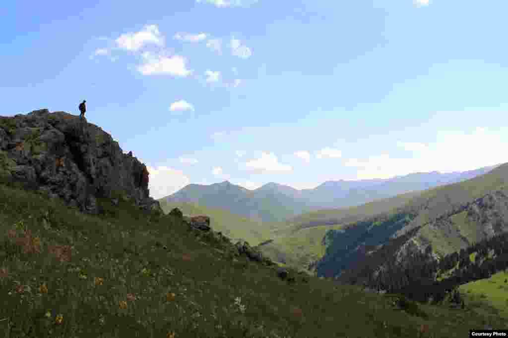 Про удивительную красоту природы Кыргызстана все наслышаны. Однако, в Союзе пешеходного туризма считают, что лучше один раз увидеть, чем сто раз услышать...