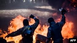 Протесты в Киеве переросли в столкновение с полицией. 18 февраля 2014.