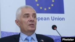 Руководитель делегации Евросоюза в Армении, посол Петр Свитальский, Ереван, 6 мая 2017 г.