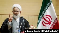 محمد جواد منتظری میگوید که افراد اعدام شده «تحت تاثیر القائات تکفیری قرار گرفته بودند».
