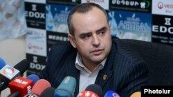 Адвокат Вартана Осканяна Тигран Атанесян на пресс-конференции, Ереван, 16 октября 2012 г.