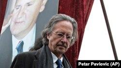 Peter Handke në funeralin e Sllobodan Millosheviqit