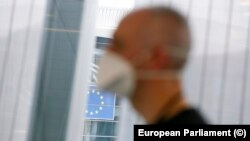 Европейската комисия реши да не си взема авансово изплатените, но непохарчени еврофондове, за да могат с тях страните членки да си помогнат за коронакризата