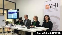 Zvaničnici Specijalnog suda za ratne zločine u toku razgovora s mladima na Kosovu