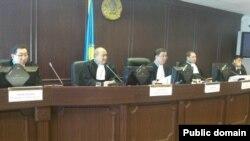 """Жоғарғы сот """"Жаңаөзен ісін"""" қайта қарады. Астана, 28 мамыр 2013 жыл."""