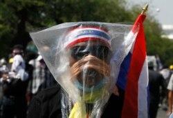 Лицо таиландского протеста. Бангкок, 2 декабря 2013 года