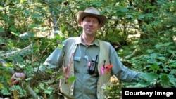 جیمز لوتز، استاد دانشگاه ایالتی یوتای آمریکا در رشته اکولوژی جنگل
