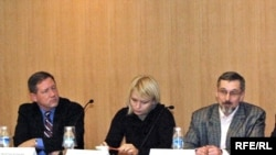 Washington, DC -- Martins Zvaners, RFE/RL, Olga Kazulina and Alyaksandr Klaskouski, BelaPAN (12Dec2008)