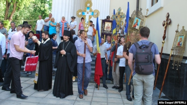 Orthodox clergy and believers protested in the Moldovan capital, Chisinau, on May 19 against a law prohibiting discrimination based on sexual orientation.