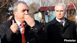 Armenia - Opposition presidential candidate Hrant Bagratian campaigns in Armavir province, 5Feb2013.