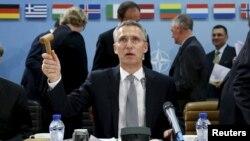 ՆԱՏՕ-ի գլխավոր քարտուղար Յենս Ստոլտենբերգը նախագահում է Հյուսիսատլանտյան դաշինքի պաշտպանության նախարարների հանդիպումը, Բրյուսել, 8-ը հոկտեմբերի, 2015թ․