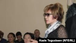 Гульжан Ергалиева, главный редактор журнала ADAM bol, в суде, где слушается дело о закрытии ее издания. Алматы, 22 декабря 2014 года.