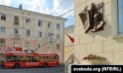 Кветкі для Давіда Сімановіча