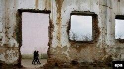 Shkollë e djegur gjatë luftës në Kosovë...