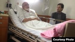 مهدی کروبی در بیمارستان در آذرماه سال جاری.