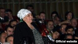Надежда Сайфуллоева аз суханронҳо дар анҷумани соҳибкорон