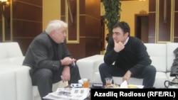Aqil Abbasla parlamentin foyesində söhbətləşdik.