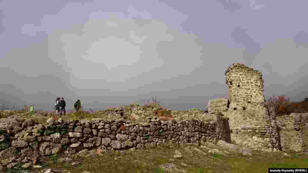 У міжсезоння відвідувачів у фортеці дуже мало