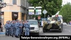 Російський ОМОН в Сімферополі