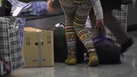 Povratak azilanata na Aerodromu u Prištinim 24. februar 2015
