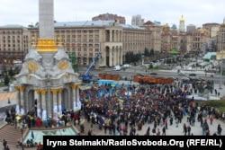 Студенти вимагають зближення з Європою. Майдан Незалежності у Києві, 26 листопада 2013 року