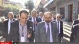 И. о. премьер-министра Армении Никол Пашинян (справа) беседует с корреспондентом Радио Азатутюн, Ереван, 17 октября 2018 г.