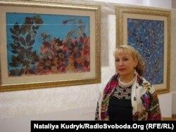 Мисткиня Ольга Романишин на виставці своїх картин у Римі