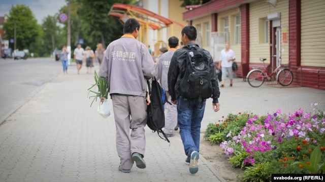 More than 4,200 Chinese citizens currently work in Belarus on Chinese-funded projects.