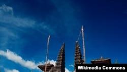 Индуистский храм на острове Бали (фото: Xeviro)