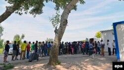 Очередь из мигрантов у венгерской границы