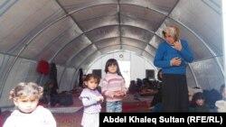 مخيم باجد كندالا اسرة سورية نازحة