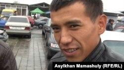 Абдулла Нұрмаханов, көлік сатушы. Алматы, 29 қыркүйек 2012 жыл.