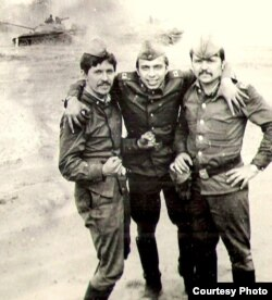 Советские солдаты в Германии. Фото из армейского альбома