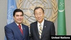 BMG-niň Baş sekretary Ban Ki-Moon (s) we Türkmenistanyň prezidenti G.Berdimuhamedow (s)