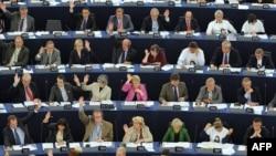 Европарламентарии голосуют, Страсбург, 8 сентября 2010