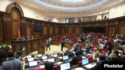 Armenia - The National Assembly debates a Russian-Armenian gas deal, Yerevan, 20Dec2013.